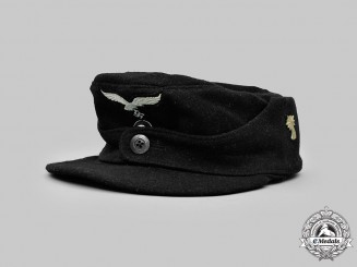 Germany, Luftwaffe. A 1st Fallschirm-Panzer Division Hermann Göring EM/NCO's Single-Button M43 Cap, by Lohmann KG