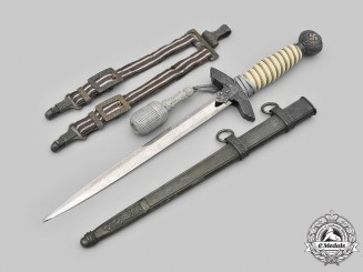 Germany, Luftwaffe. A II Pattern Officer's Dagger with Etched Blade & Hanger, by Emil Voos