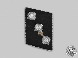 Germany, SS. A Waffen-SS Untersturmführer Collar Tab