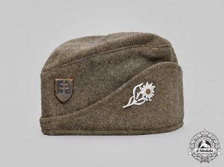 Slovakia, Republic. A Slovak Army Side Cap for Mountain Troops