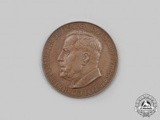 """Germany, Weimar Republic. A First South America Equator Trip by """"Graf Zeppelin"""" Medal 1930"""