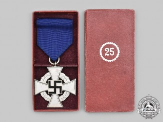Germany, Third Reich. A Civil Service 25 Year Long Service Decoration, with Case