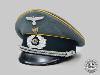 Germany, Heer. A Rare Armoured Cavalry/Reconnaissance Officer's Visor Cap with Schwedter Eagle Tradition Badge, by Erel