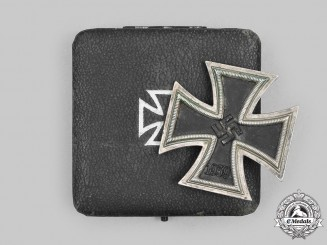 Germany, Wehrmacht. A 1939 Iron Cross I Class, with Case, by Deschler & Sohn
