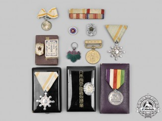 Japan, Empire. Lot of Eleven Orders, Medals and Badges