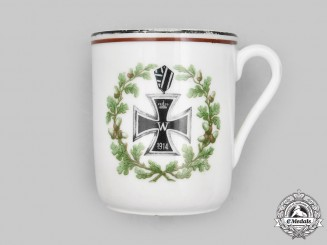 Germany, Imperial. A First War Iron Cross 1914 Patriotic Mug