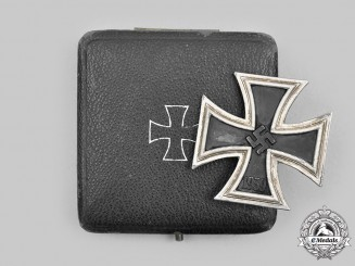 Germany, Wehrmacht. A 1939 Iron Cross I Class, with Case, by C.E. Juncker
