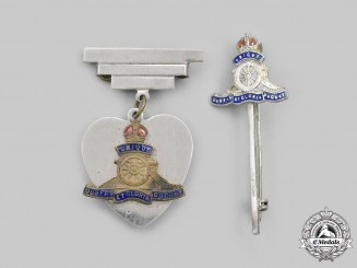 United Kingdom. A Royal Artillery Sweetheart Badge and Tie Clip
