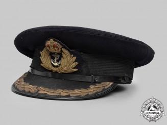 United Kingdom. A Royal Navy Captain's Visor Cap, c.1917