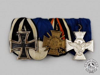 Germany. An Imperial &  Third Reich Period Combatant's Medal Bar with Police Service