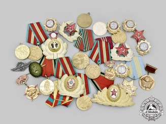 Russia, Soviet Union, Federation. A Lot of Thirty Items