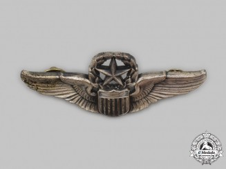 United States. An Air Force (USAF) Master Pilot Badge