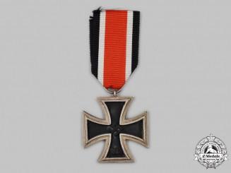 Germany, Wehrmacht. A 1939 Iron Cross II Class, Round 3 Type, by Deschler & Sohn