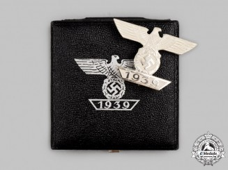 Germany, Wehrmacht. A Mint 1939 Clasp to the Iron Cross I Class, with Case, by B.H. Mayer