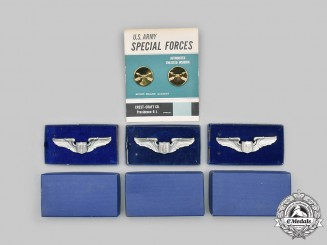 United States. A Lot of Five Army Special Forces and Air Force Items