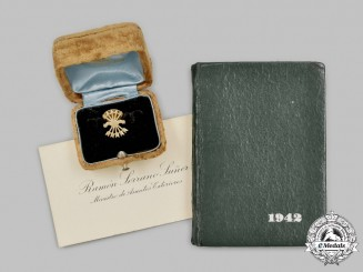 Spain, Francoist Era. Falange Membership Badge in Gold, Attributed to Minister of External Affairs Ramón Serrano Suñer
