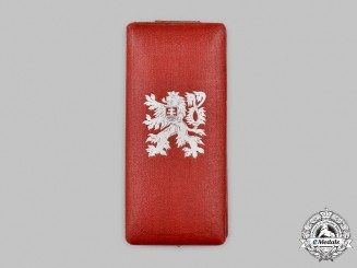 Czechoslovakia, I Republic. An Order of the White Lion, Officer Case, c.1935