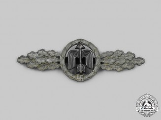 Germany, Luftwaffe. A Short-Range Day Fighter Clasp, Gold Grade, by G.H. Osang