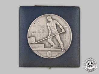 Switzerland, Swiss Confederation. A Palace of Nations Table Medal 1933