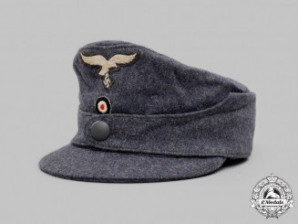 Germany, Luftwaffe. An Enlisted/NCO's Single-Button M43 Field Cap
