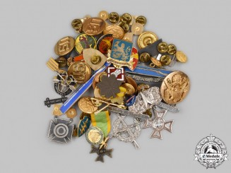 United States. A Lot of Forty-Six Armed Forces Insignia