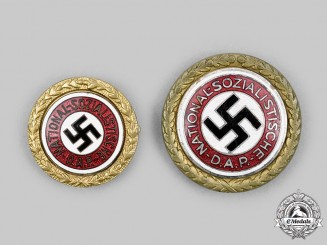 Germany, NSDAP. A Rare Set of Golden Party Badges, Large and Small Versions