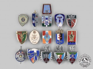 France, V Republic. A Lot of Sixteen Regimental Badges