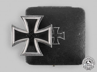Germany, Wehrmacht. A 1939 Iron Cross I Class, with Case