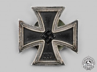 Germany. An Iron Cross 1939 1st Cl. by R. Souval of Vienna; Screwback Version