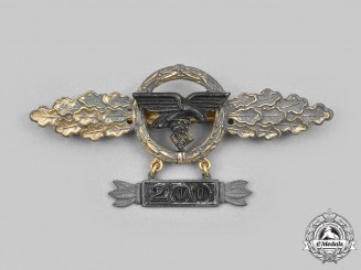 Germany, Luftwaffe. A Front Flying Clasp for Transport and Glider Pilots, Gold Grade, with 200 Hanger