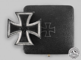 Germany, Wehrmacht. A 1939 Iron Cross I Class, with Case, by Steinhauer & Lück