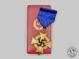 Germany, Third Reich. A Civil Service Long Service Cross, I Class for 40 Years with Case, by Deschler & Sohn
