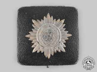 Germany, Wehrmacht. An Eastern People's Medal, I Class in Gold with Swords and Case, by Wächtler & Lange