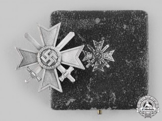 Germany, Wehrmacht. A War Merit Cross, I Class with Swords and Case, by Klein & Quenzer