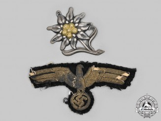 Germany, Wehrmacht. A Pair of Uniform Insignia  (Wehrmacht Insignien)
