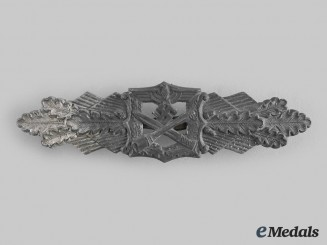 Germany, Wehrmacht. A Close Combat Clasp, Silver Grade, by Hymmen & Co.