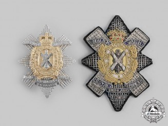 Canada, Commonwealth. Two Queen's Crown Black Watch (Royal Highland Regiment) of Canada Items