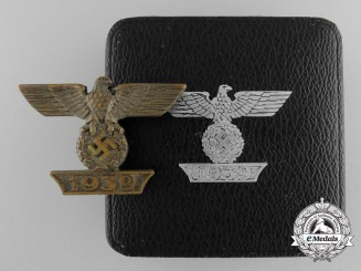 Germany, Wehrmacht. A I Pattern EKI Spange with Case by Juncker, Berlin