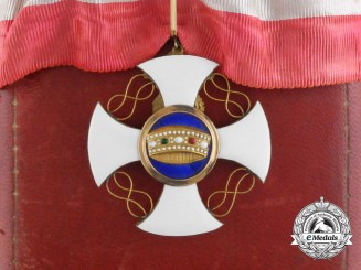 An Italian Order of the Crown; Commanders Cross in Gold