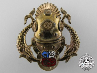 A Peruvian Deep Sea Diver Badge