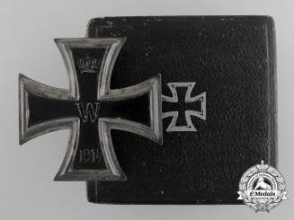 An Iron Cross First Class 1914 by the Königliches Münzamt Orden with Case