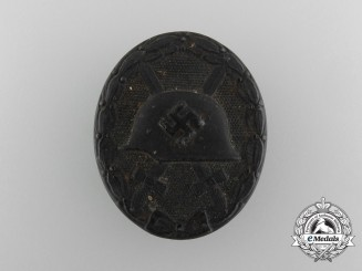 A Second War Black Wound Badge by Klein & Quenzer