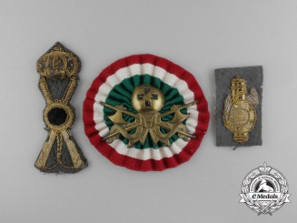 A Lot of Three Italian Cap Badges