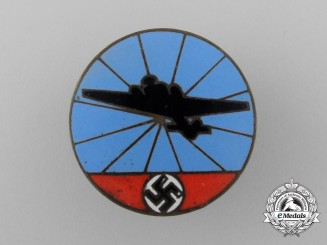 A Second War German Reichsluftschutz Badge