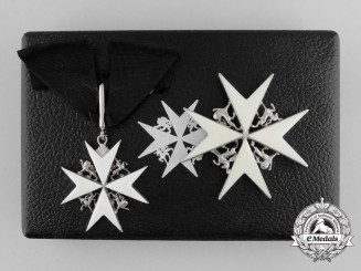 A Second World War Issued (1939-1949) Order of St. John; Commander Set