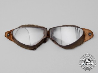 An Extremely Fragile and Scarce Pair of First War Imperial German Aviator's Goggles