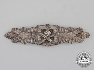 A Silver Grade Close Combat Clasp by the Unknown 6-Dot Maker