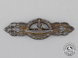 A Second War German Gold Grade Submarine Front Clasp by Schwerin