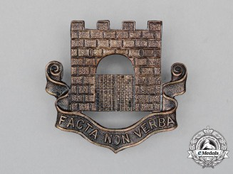 A Fort Garry Horse Cap Badge