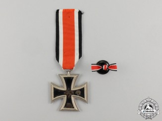 An Iron Cross 1939 Second Class by Franz Reischauer of Oberstein with its Boutonniere